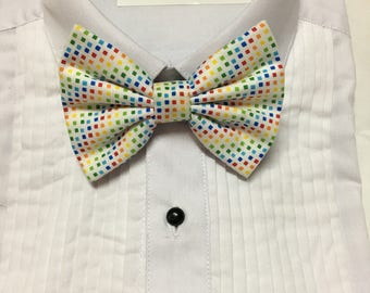 Subtle Rainbow Diamond Pattern Print Bowtie / Bow Tie