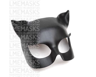 Catwoman Mask Black Leather Halloween Super Hero Sexy Batman Costume Carnival Masquerade Cat Ears Woman Cosplay Party Birthday Face Mask Leo