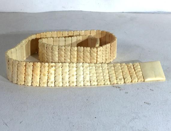 1940s cream colored celluloid belt - size medium … - image 5