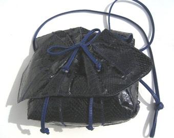 1980s purple snakeskin crossbody - 1980s crossbody - vintage croossbody - 1980s purple purse - 1980s handbag - 1980s purse - 1980s bag