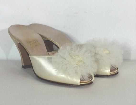 1940s Daniel Green cream satin boudoir slipper - s