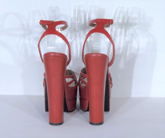 1970s red-orange leather platform sandals - size … - image 5