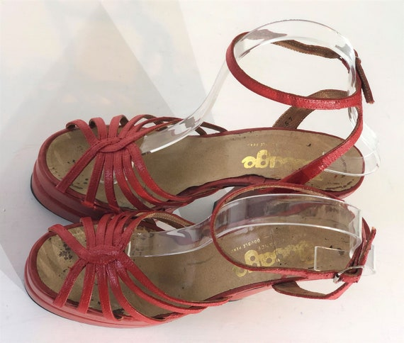 1970s red-orange leather platform sandals - size … - image 6