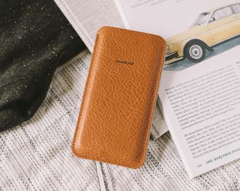 """Pouch for iPhone 7, iPhone 6S, iPhone 6, leather, wool felt, """"Dandy"""", by band&roll"""