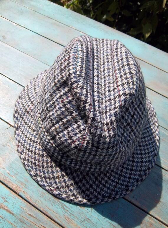 7dd1b2d10dc8a Vintage 1960s Burberry Wool Bucket Hat Size 7.5