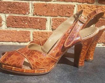 Vintage 1950s Alligator Leather Heels // Rockabilly Pinup Pumps  // Slingback Heels // 10 inch Foot Bed