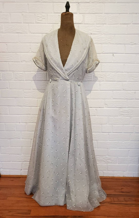 Vintage Pale Grey Dressing Gown • 1940s 50s Lounge