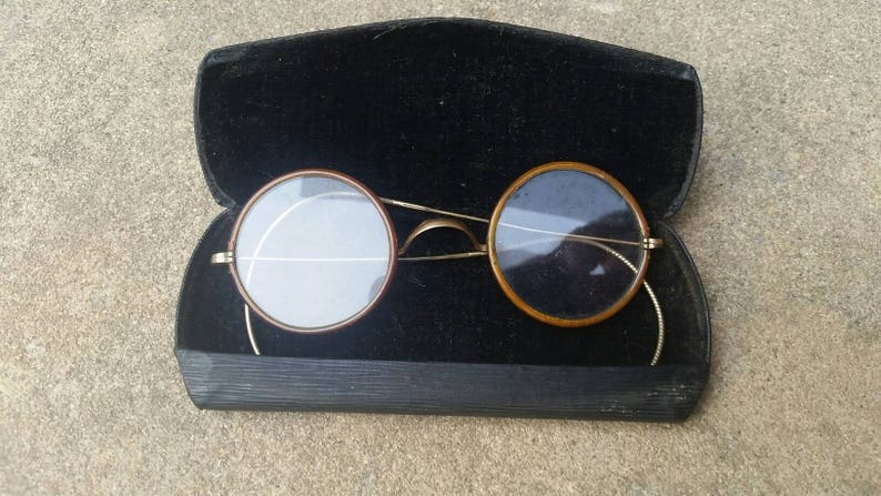 b35ff7b3152 CLEARANCE    Antique Vintage Spectacles    Photoshoot Prop