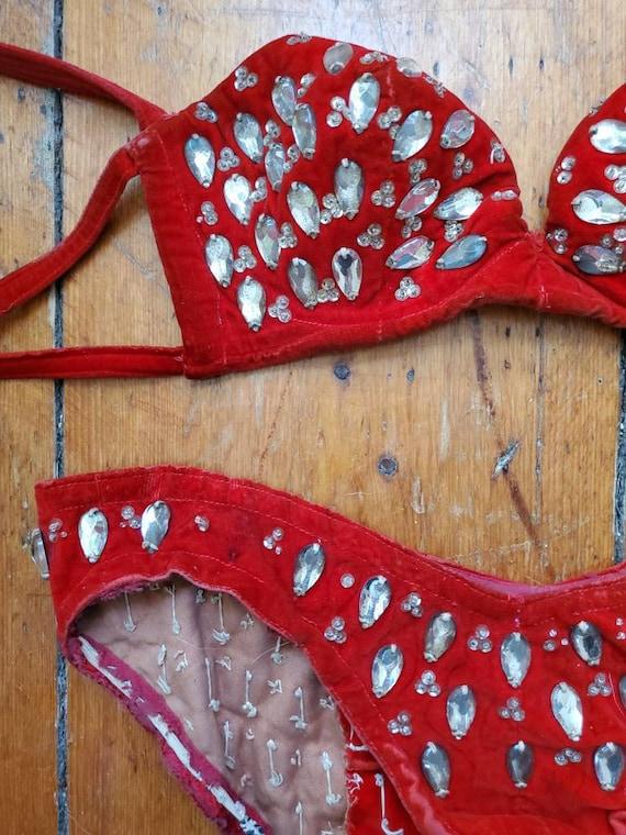 Vintage 1940s Burlesque Red Velvet Bikini • Vinta… - image 8
