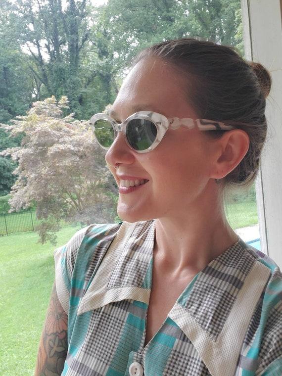 Vintage Opalescent Cateye Sunglasses • Willson Fra