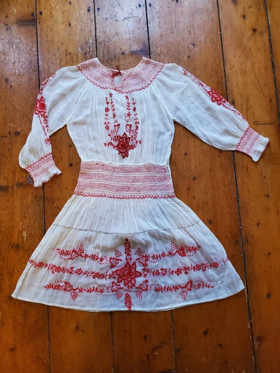 Vintage 1920s 30s Hungarian Dress • Smocked Cotton