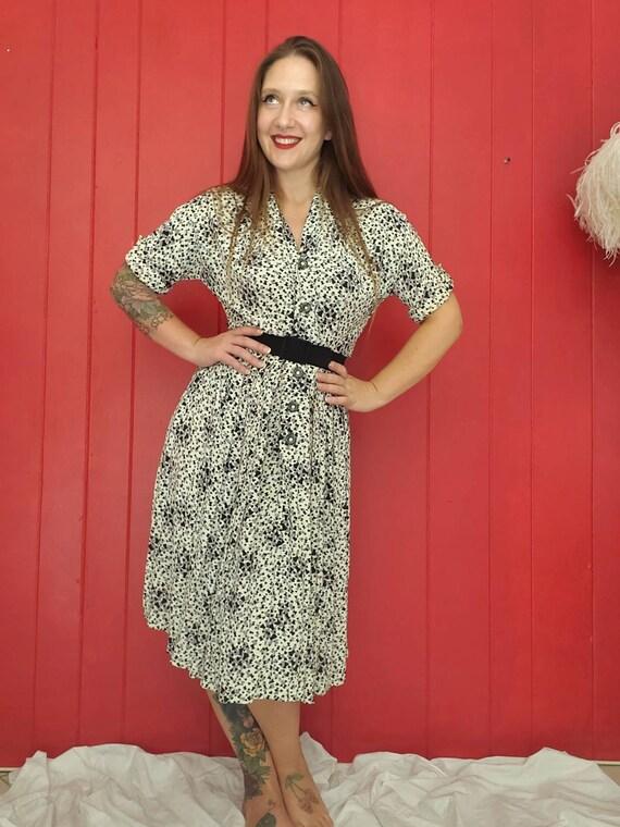 Adorable Vintage 1940s Dress • Top Hat Black Heart