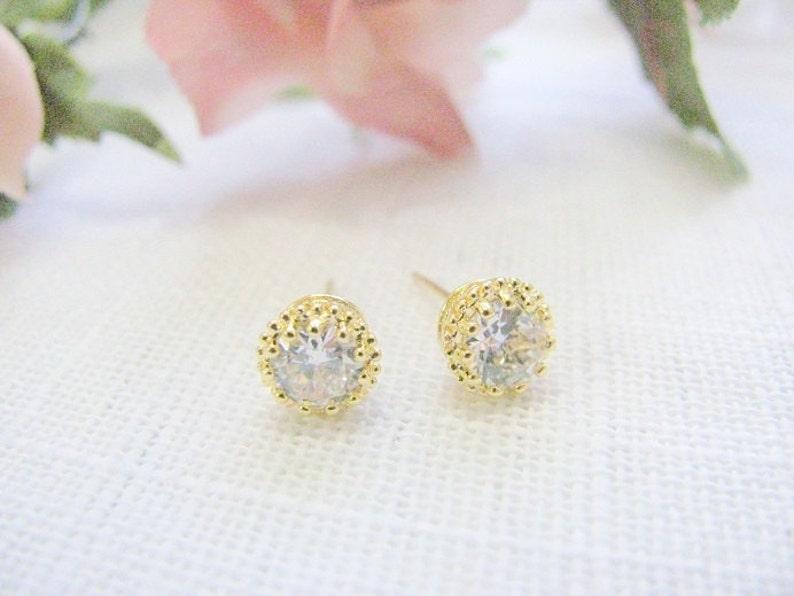 SALE Diamonds studs earring Gold clear Crystal CZ Classic diamond studs