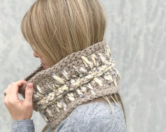 Chunky Crochet Cowl / Crocheted Fashion Circle Scarf / Light Of My Heart Cowl