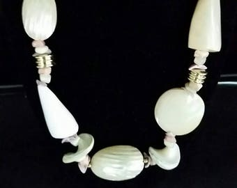 """Mother of Pearl 20"""" Necklace"""