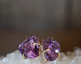 Amethyst Studs. Solid 14k Gold Amethyst Earrings. OOAK Crystals. February Birthstone. Amethyst Gold Studs. Amethyst Crystals. Fantasy Cut