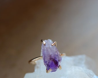 Raw Amethyst Ring Gold Fill Amethyst Jewelry. Boho Rustic Quartz Ring. Stackable Raw Quartz Jewelry. February Birthstone. Gift for Daughter