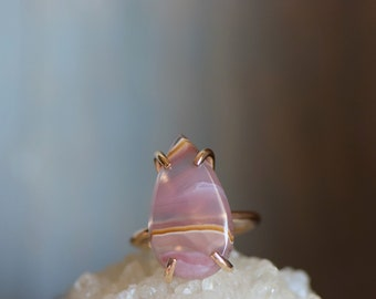 Gold Agua Nueva Ring. Teardrop Cabochon Prong Ring. Agua Nueva Agate Jewelry. Pink Peach Stone Ring. Mothers Day Gift. Anniversary Gift