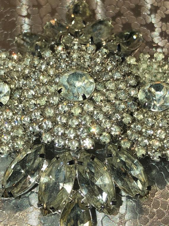 Vtg MASSIVE JULIANA Sparkling Glass Prong Set Bronze Amber Gold color Multi-Faced Brooch Pin Glamorous Piece