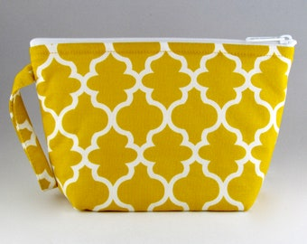 THREE LEFT - Gold Quatrefoil Makeup Bag - Accessory - Cosmetic Bag - Pouch - Toiletry Bag - Gift