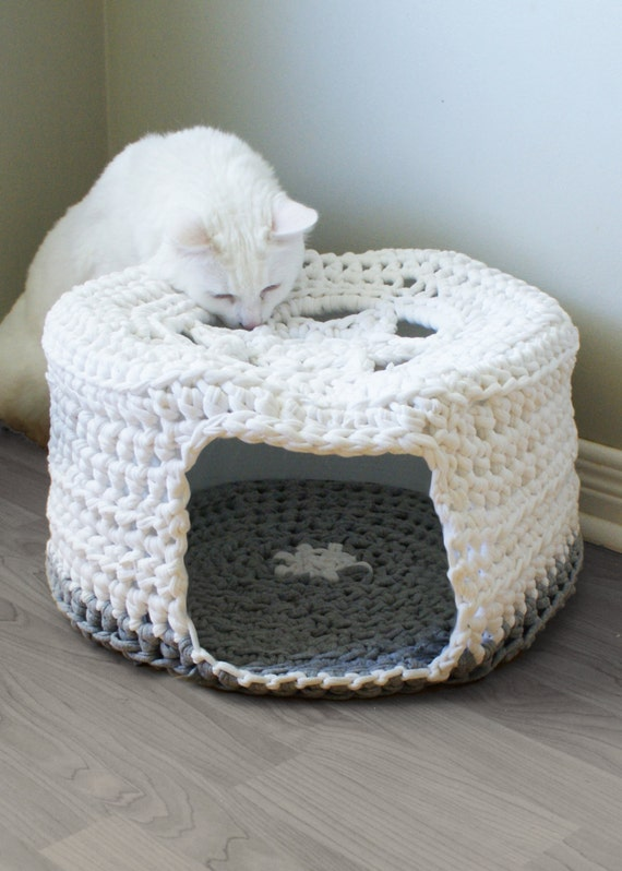 Cat Bed Cave T Shirt Yarn