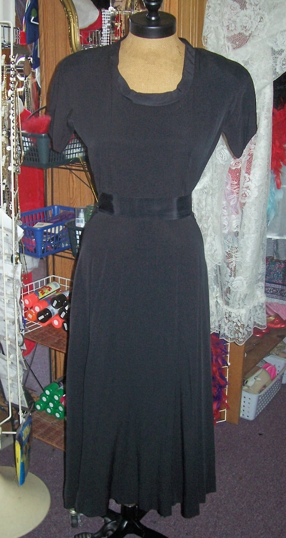 RE-GO FASHION 30's 40's Vtg dress black fitted ful