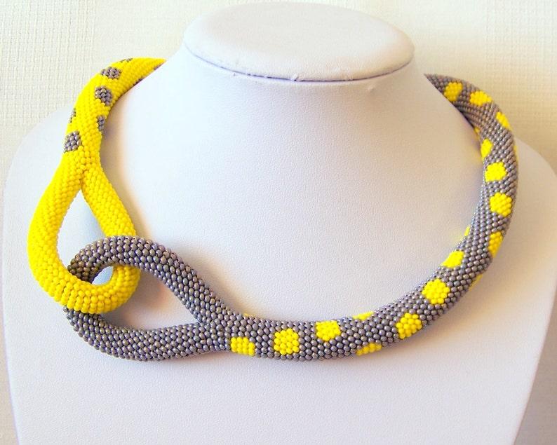 2c23c589e5b8 Collar luminoso Crochet nudo cuerda collar abalorios