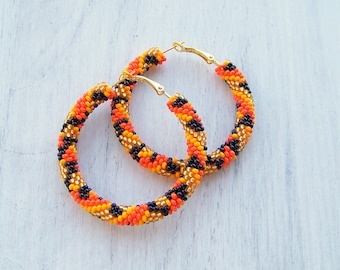Beaded Tiger pattern hoop earrings - Animal earrings - Beadwork earrings - seed beads earrings - Geometric  earrings - tiger print hoops