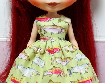 BLYTHE doll Its my party dress - gone fishing