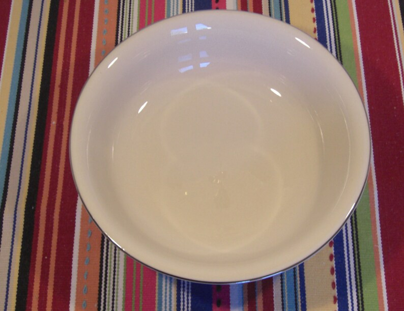 Fleetwood Fine China California for Treasure House RARE Medium Round Footed Vegetable Serving Bowl White on White Queens Lace Pattern