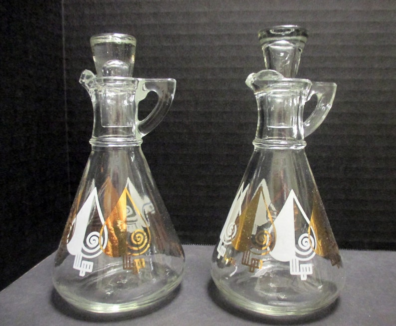 Cruet Set with Lids and Salt and Pepper Set Large Salad Serving Bowl with Gold and White Atomic Spade Design Gay Fad Hazel Atlas Glass