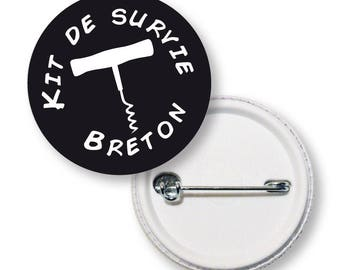 Button round Breton survival kit
