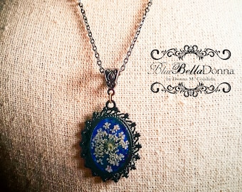 Lace Flower Resin Pendant Necklace