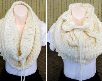 Knit Infinity Scarf, Chunky and Warm Infinity Cowl