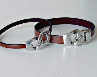 Couples leather bracelets, couples jewelry, his and hers jewelry, gifts for couples, leather bracelets, matching bracelets, couples gift