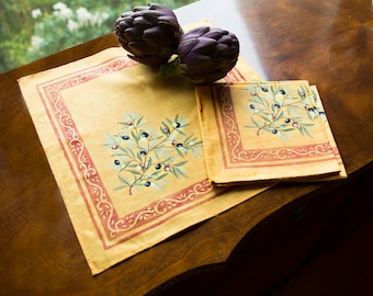 Cotton napkins.Cloth napkins set of 1,2,4,6,8,10,12 napkins.Perferct match with runners, tablecloths olives de Provence