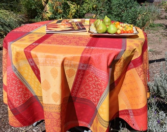 Easy care kitchen linen Wipe off stains Large Round Cotton Coated Jacquard Tablecloth Table up to 6 people Paisley print Fabric of Provence