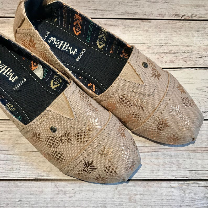 02401c6ce4 Custom toms custom canvas shoes pineapple shoes pineaple | Etsy