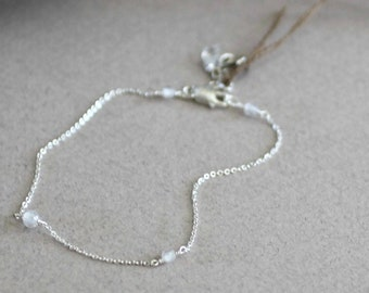 Clear Crystal Bracelet-Dainty Clear Bracelet-Delicate Bracelet-Clear CZ Bracelet-Minimalist Bracelet-Cubic Zirconia Bracelet-Gift for Her