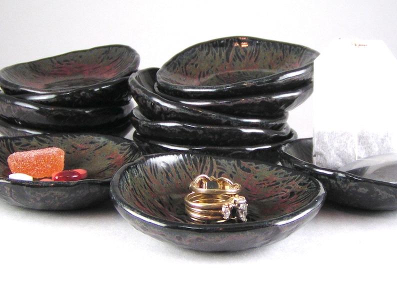Tiny Plate Spoon Rest Red and Black Ring Dish Jewelry Holder Tea Light Saucer Tea Bag Holder Trinket Dish Vitamin Dish Pill Dish