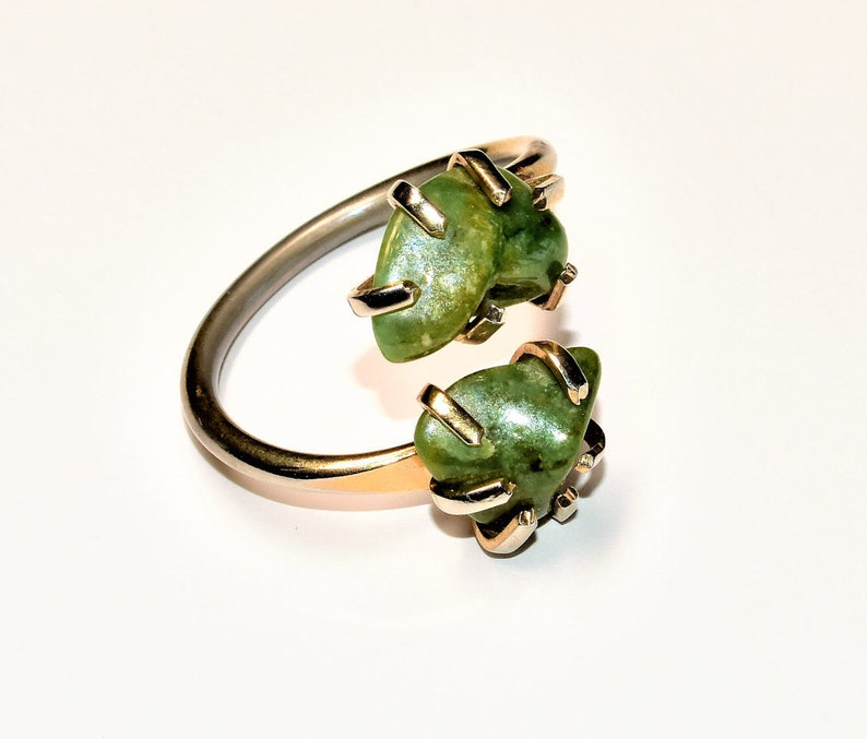 UK Size PUS Size 7.5 c1970s Sarah Cov Canada Duo Green Stones Gold Coloured Adjustable Vintage Statement Ring