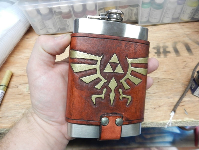 Legend of Zelda 8oz Hip Flask Holder with Flask image 0