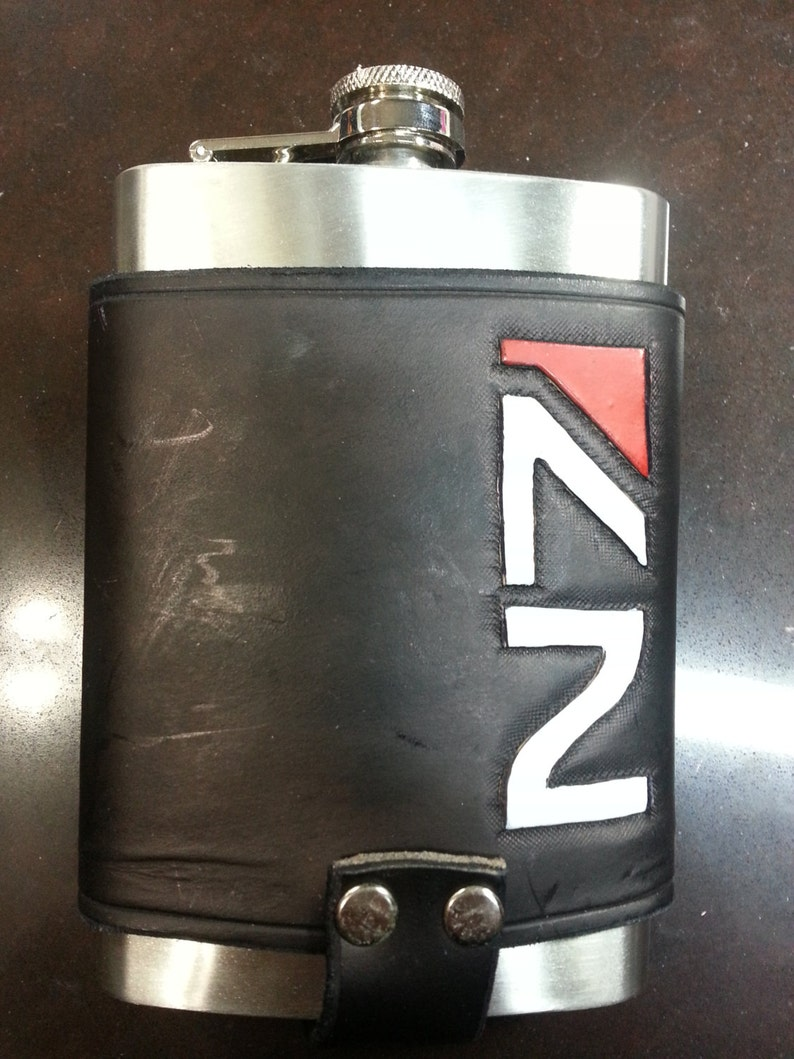 N7 / Mass Effect 8oz Hip Flask Holder with Flask image 0