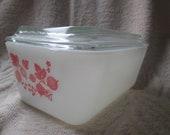 Pyrex pink gooseberry refrigerator dish 1 1 2 Pint 502