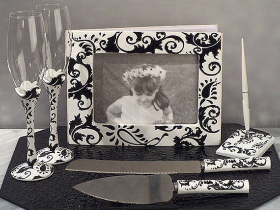 Black Swirl Wedding Accessory Set