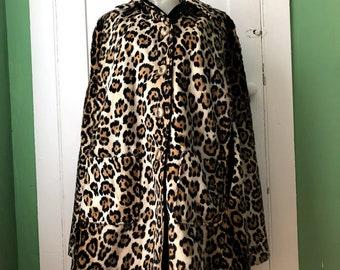 bc8031b87a24 Vintage Faux Leopard Cheetah Fur Cape Reversible Swing Style