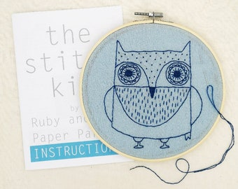 CRAFT KIT - hand sewing kit- Embroidery hoop framed simple stitch picture 'OWL' design with all the equipment you need to make it.
