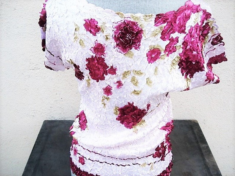 Woman/'s Clothing Pink Fashions Ladies Pink Flower Blouse Ladies Top Pink Top Fashions Colorful Clothes