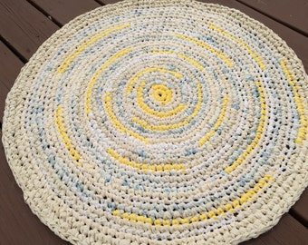 """Rag Rug in Yellow Shades 28"""" Round"""