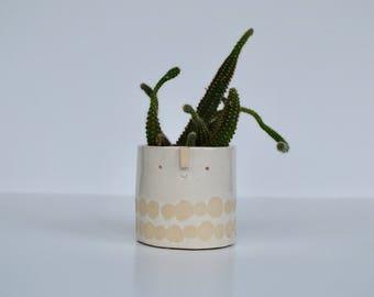 Mini succulent pot // white dotty